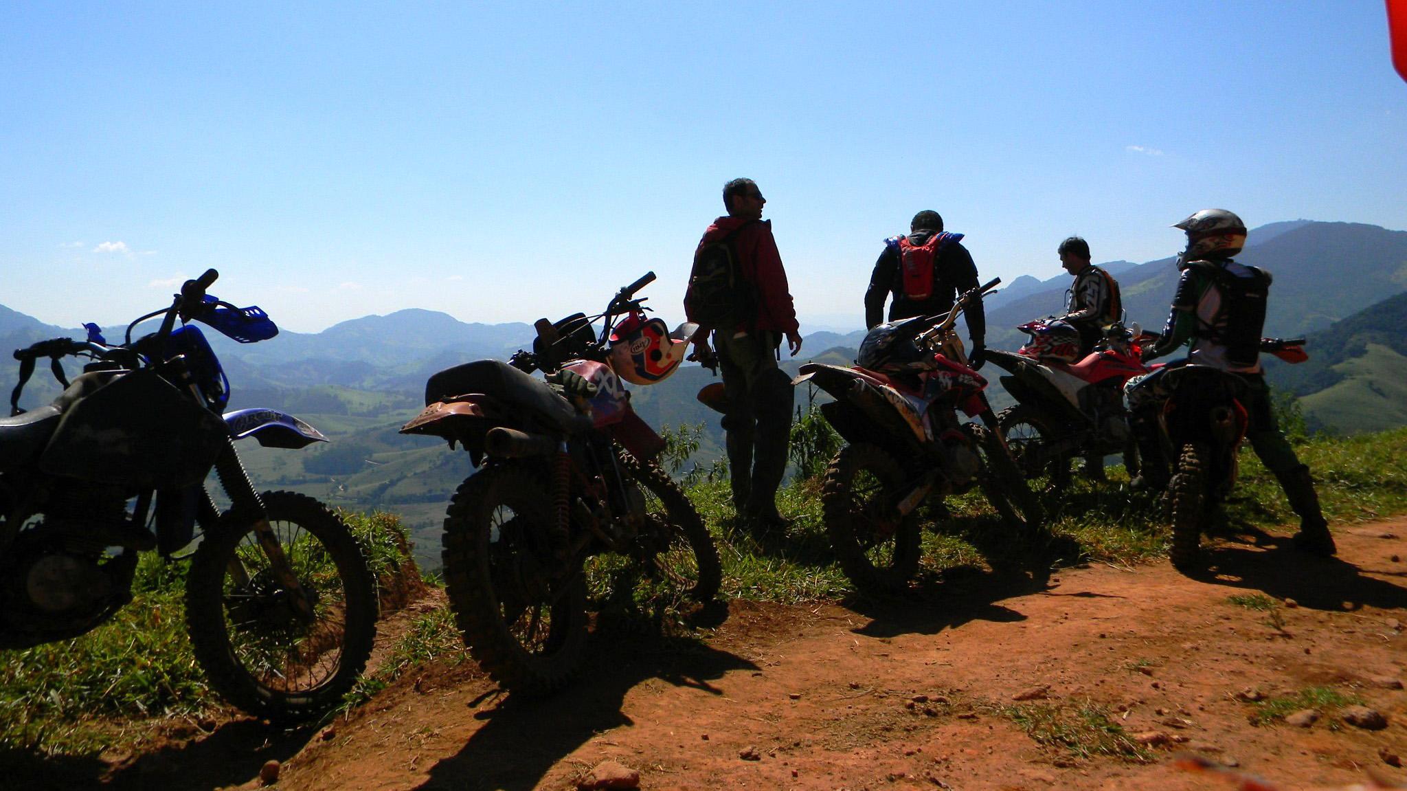 Trilhas de motos e quadriciclos em Campos do Jordão.